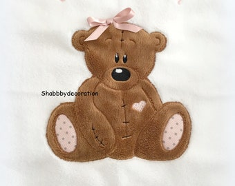 Blanket embroidered with baby girl (customizable)
