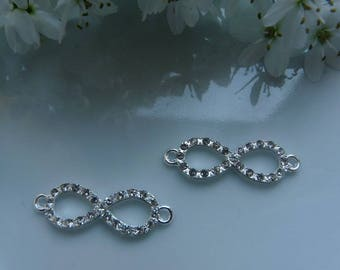 Interlaced ring rhinestone connector charm