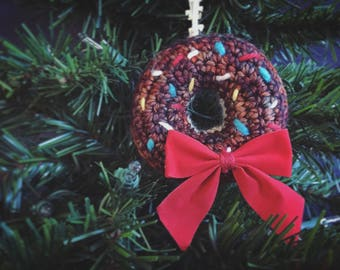 Knitted Donut Wreath Ornament