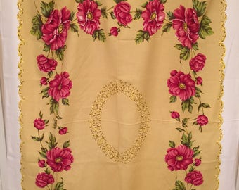 """Gorgeous// Vibrant// Retro Kitchen// Oblong// Tablecloth// Huge Poppy Flowers// 63"""" x 50-1/2""""// Never Used!"""