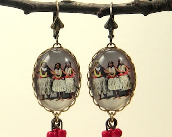 Hula Girls Earrings