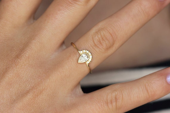 solitaire engagement simple rose perfect for gold oh pear wedding set ringconcierge women diamond so rings proposal