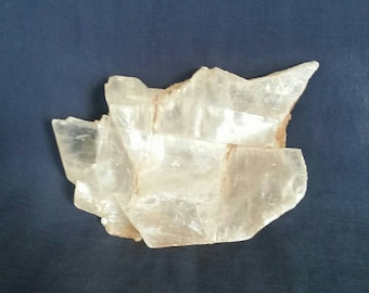 Natural Selenite Gemstone / LARGE Selenite Quartz Crystal Stone / Rocks and Minerals / Crystal Healing / Raw Crystal Home Décor