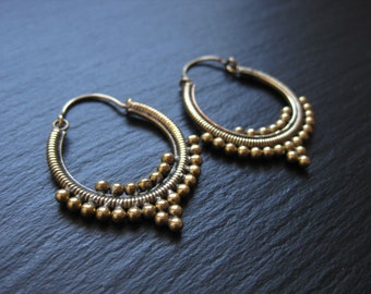 Gypsy Tribal Brass Hoops . Boucles d'oreilles Laiton . Ethnic Tribal Chic Earrings . FREE SHIPPING CANADA . zariboutik