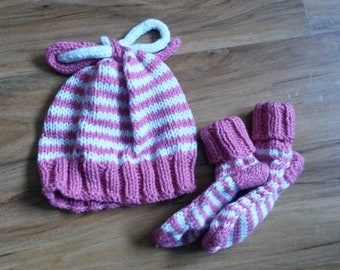 0-3 month knitted hat and sock set