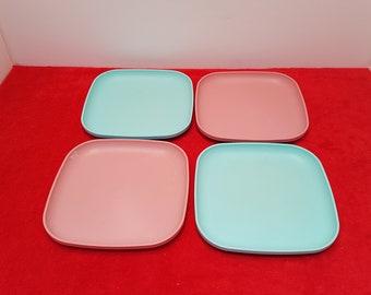 Vintage tupperware plates set of 4 /  tupperware plates / tupperware blue and pink / Tupperware #1534
