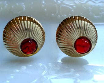 Round Gold Tone & Red Cabochon Cufflinks, Vintage Cuff Links Jewelry