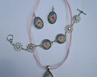 set necklace + bracelet + old pink earrings