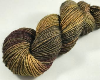 """Hand Dyed DK Yarn, 100% Superwash British Bluefaced Leicester Lustre Wool, 254 Yards, 100g """"Deep Thoughts"""""""