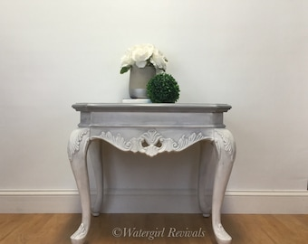 Elegant Occasional Accent Table - Nightstand