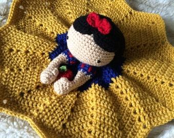 Crochet Snow White Lovey, Security Blanket, baby shower gift, princess nursery, disney baby gift, Prop, crochet blanket, Snow White