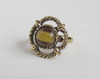 Scottish Celtic Knot Glass Faux Agate Stone Adjustable Ring - Chunky Gold Tone Ring - Costume Dress Ring
