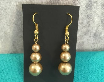 Gold imitation pearl earrings