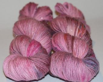 Sparkle, 75/20/5 SW merino wool/Nylon/Stellina, DK / 8ply, 212m, (231y) / 100g.