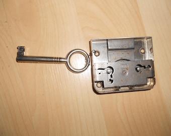 Furniture lock, Cabinet lock