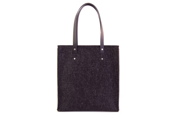 Felt TOTE BAG with leather straps / wool felt / black felt / black bag / felt bag / wool felt bag / handmade / made in Italy