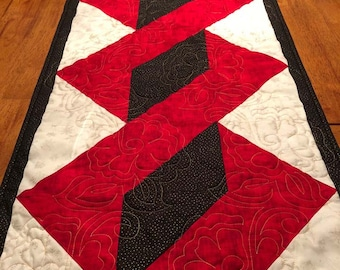 "Chistmas Holiday Quilted Table Runner - 18.75"" x 45.5"" Quiltsy Handmade"