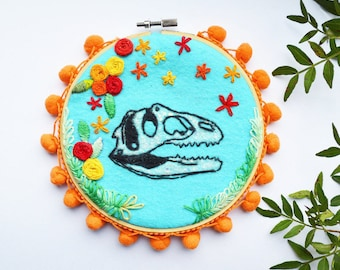 Embroidery hoop art, embroidery art, embroidery hoop, dinosaur skeleton, Modern Embroidery, wall hanging, wall decor, dinosaurs, home decor
