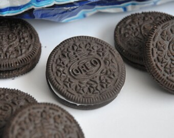 Oreo biscuit brooch