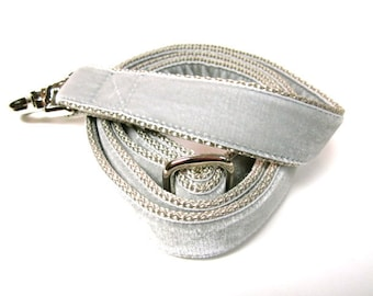 """6' Houndstown Silver Swiss Velvet Leash, Adjustable Handle, Lobster Claw Clasp, 1"""" Width"""