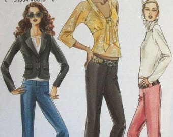 Very Easy Vogue 8130 Misses' Mock Fly Crop Pants Sewing Pattern - Size 14 - 20 (EE) - Uncut