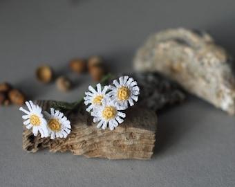 FIVE Miniature crochet daisies. Crochet flowers, faux flowers, artificial flowers