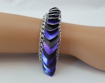 Scale Maille Chainmaille Bracelet in Purple and Black, Chain Maille Scale Bracelet, Chain Mail Scale Bracelet, Scale Maille bracelet