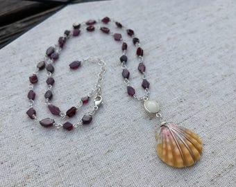 Linked Gemstone Sunrise Shell Necklace
