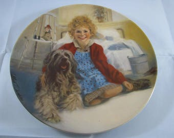 """1982 Annie Collectors Plate series plate #1 """"ANNIE and SANDY"""" Knowles China Co."""