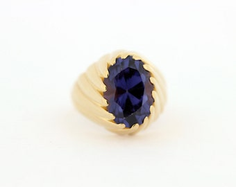 Gold and Synthetic Alexanderite ring
