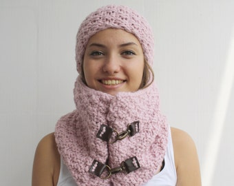 Soft Pink Scarf / Hat Warm set Knitted Scarf and hat Oversized, Chunky Knit, Winter, Cozy Scarf, Women's Gifts, Leather link