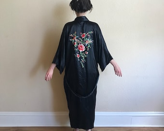 Black silk hand embroidered robe kimono