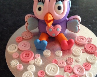 Hootabelle Edible Cake Topper with Fondant Buttons