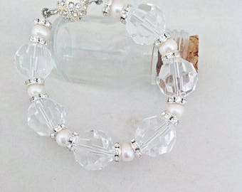 Swarovski Crystal and Swarovski Crystal Rondelles Bracelet with Freshwater Pearls