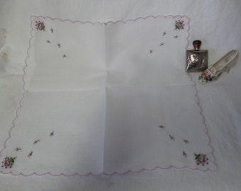 Beautiful machine embroidered purple and lavender scalloped hankie handkerchief