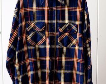 1960s Cotton Plaid Flannel/ size Large