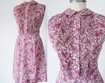 Vtg 60s MAUVE Intricate PAISLEY Summer SHEATH Dress with Peter Pan Collar, Small