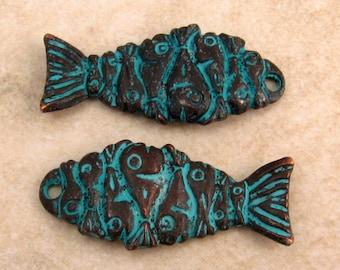 Mykonos Casting Fish Pendant, Green Patina 2 Pieces M36
