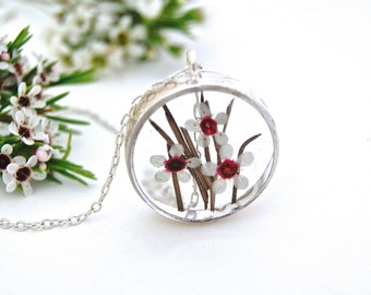 Real flower resin necklace. Flower resin necklace. Floral necklace. Botanical necklace. Australian wildflower. Geraldon wax. By OCEAN PETALS