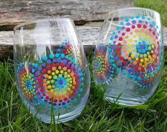 Rainbow stemless wine glass set, rainbow polkadot stemless wine glass set, rainbow dot stemless set, rainbow dotart glasses, rainbow barware
