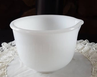 Glasbake for Sunbeam, Mixing Bowl, Milk Glass Mixing Bowl, Pour Spout, Glassbake, Vintage Mixing Bowl, Vintage Bakeware, Excellent Condition