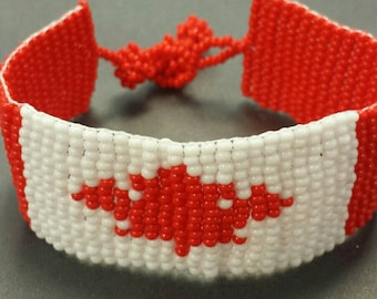 Canada flag bracelet - Adjustable beaded Canada flag bracelet - Canadian bracelet - Canada flag made in Canada - Canadian beaded bracelet
