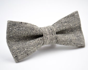 Mens Bowtie in Gray Wool, Tweed Bow Tie, Gray Bow Tie, Groomsmen Bow Tie, Wedding Bow Tie