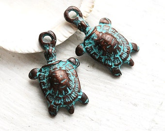 Turtle charms, green patina on copper, Greek beads, nautical - 25mm - 2Pc - F153