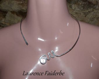 Yes aluminum hammered silver Choker
