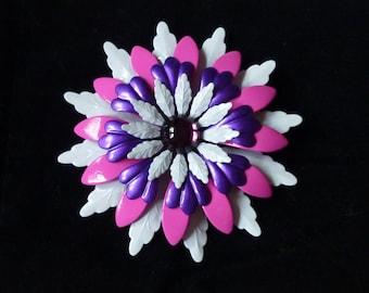 Beautiful Vintage pink , purple and white enamel flower brooch