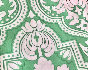 Jennifer Paganelli Girlfriends Molly Sisbloom Green  Fat Quarter Quilt Fabric Sewing Fabric Retro