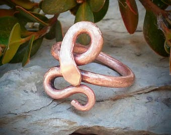 Copper Snake Ring / Rustic Textured Copper Snake Ring / Size 6 Copper Ring / Copper Rod Snake Ring / Copper Jewelry
