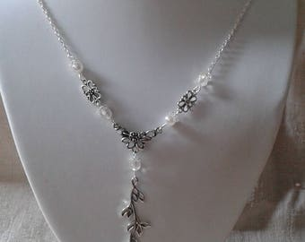 """""""Silver flower and branch"""" necklace"""