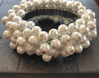 Wedding Party Silver - effe goods stretch cha cha bracelet with bright white pearlized glass beads
